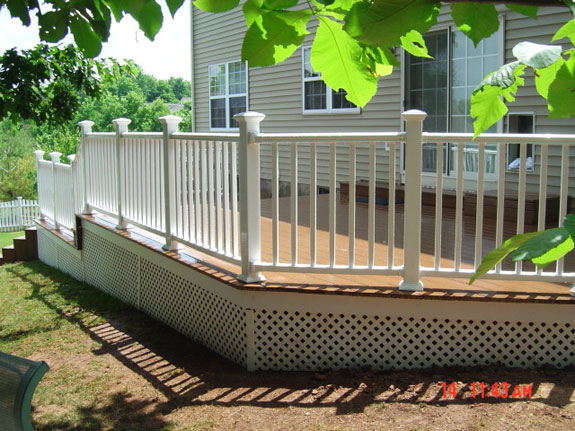 Ahh, the completed deck addition looks amazing!