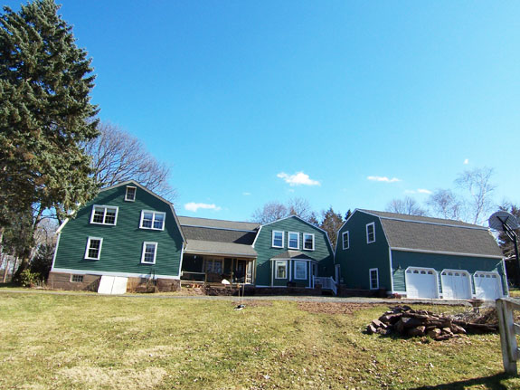 farmhouse addition completed on the Connecticut River in Portland CT